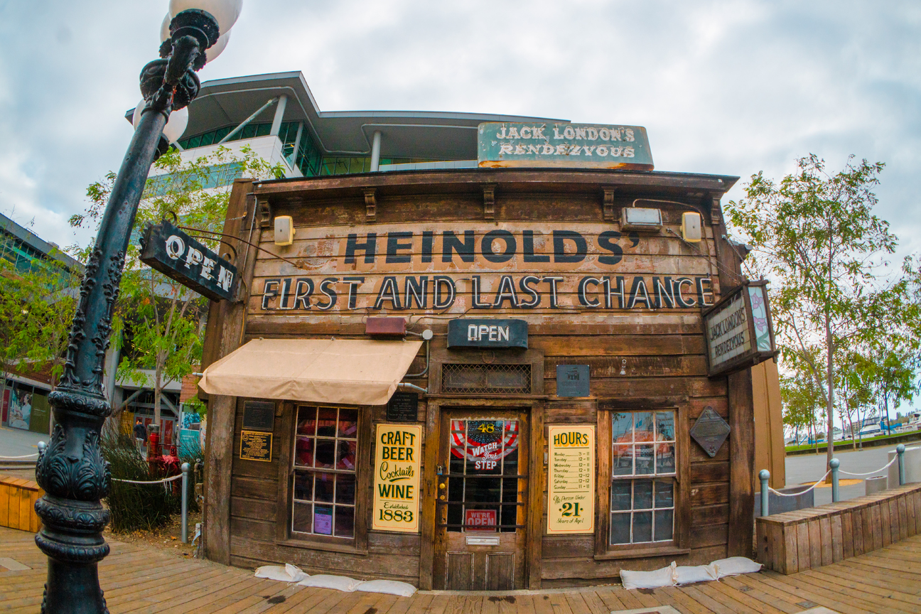 Heinholds First and last Chance Saloon
